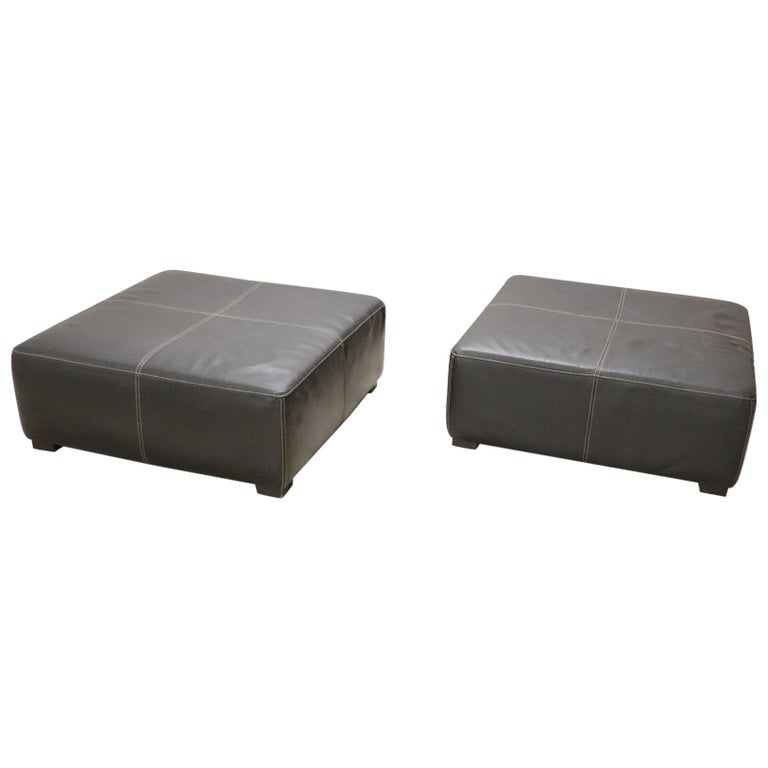 20th Century Italian Design Pair of Large Pouf in Black Leather For Sale