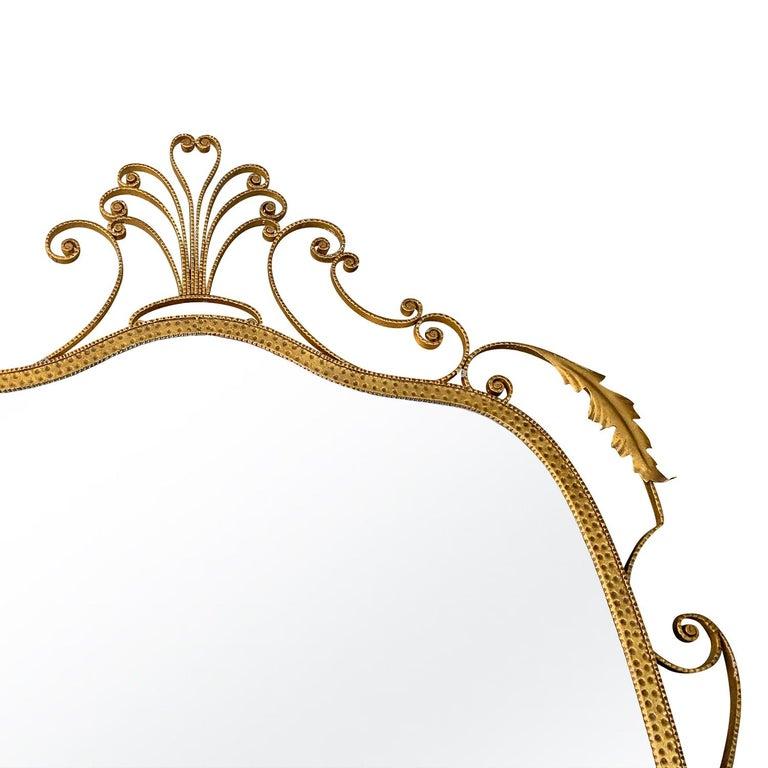 Mid-Century Modern 20th Century Italian Gold Metal Oval Wall Mirror For Sale