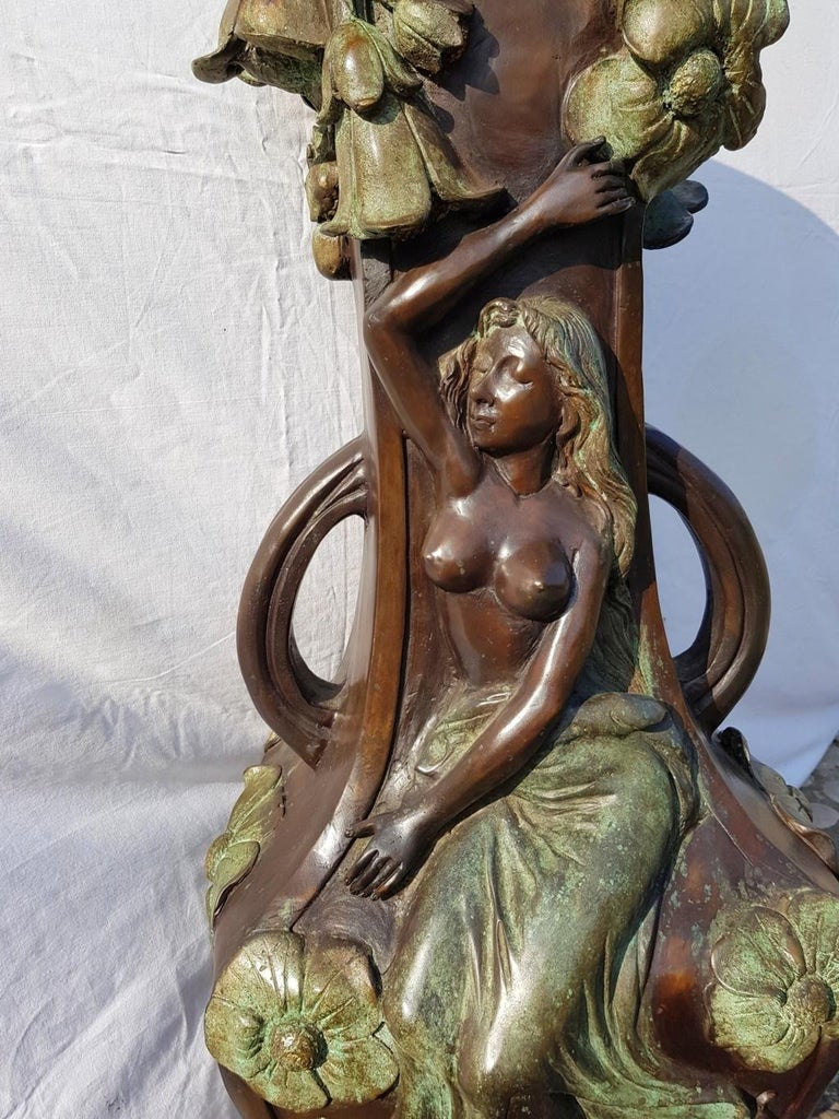 20th Century Italian Large Bronze Center Vase, Italy Liberty Art Nouveau Period For Sale 7
