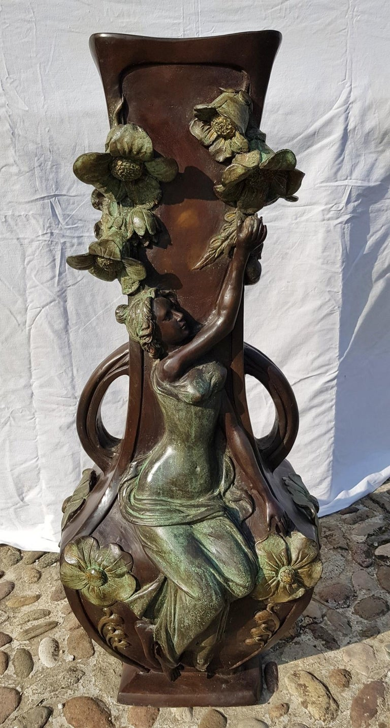 20th Century Italian Large Bronze Center Vase, Italy Liberty Art Nouveau Period For Sale 11