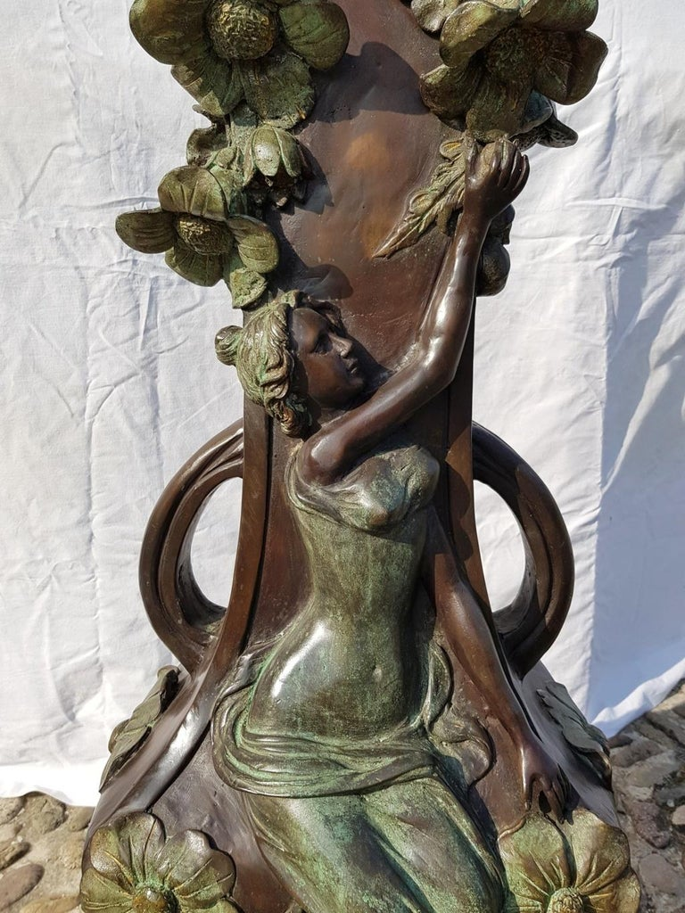 20th Century Italian Large Bronze Center Vase, Italy Liberty Art Nouveau Period For Sale 13