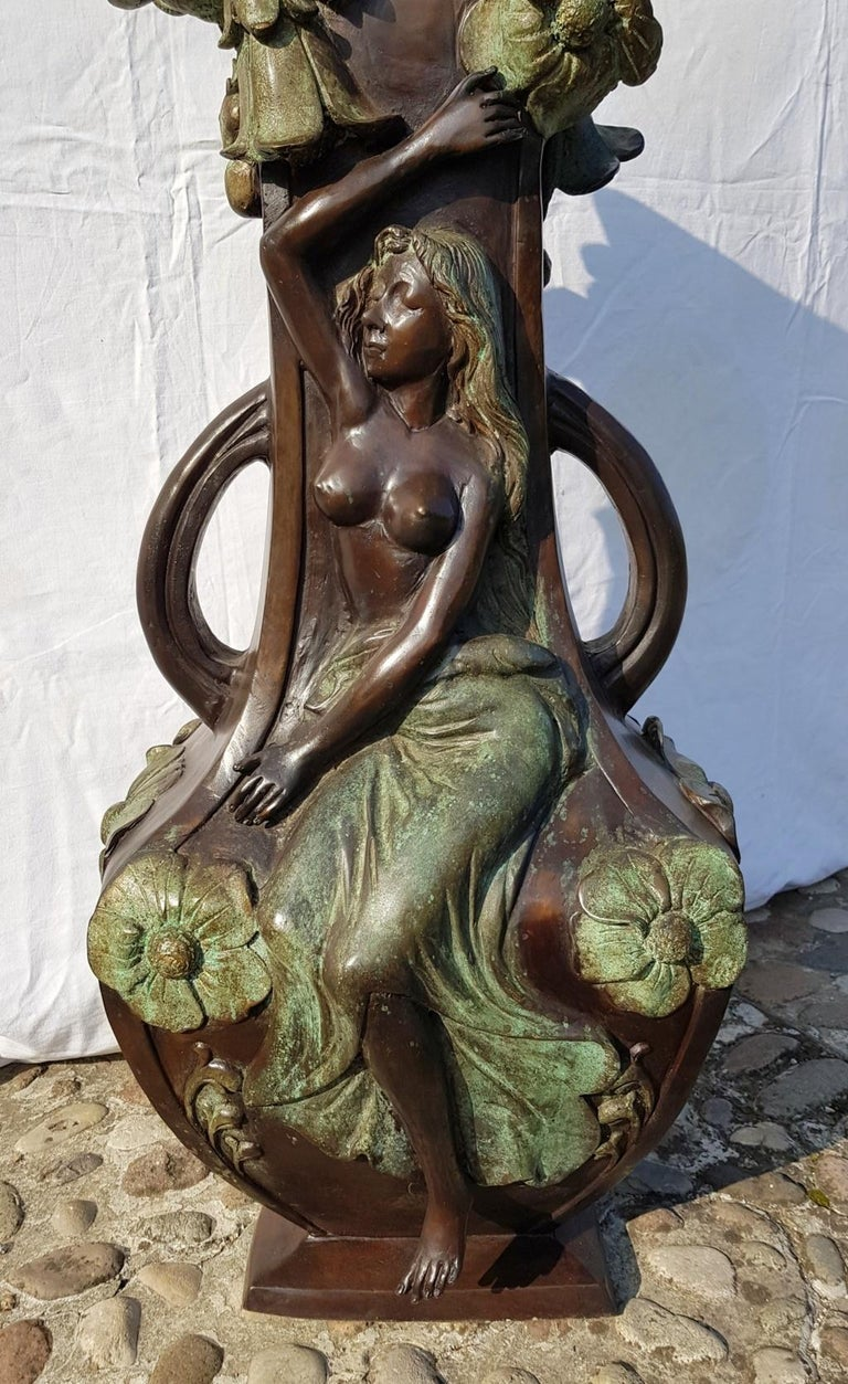 20th Century Italian Large Bronze Center Vase, Italy Liberty Art Nouveau Period For Sale 2