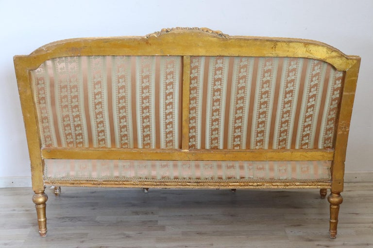 20th Century Italian Louis XVI Style Gilded Wood Living Room Set or Salon Suite For Sale 5