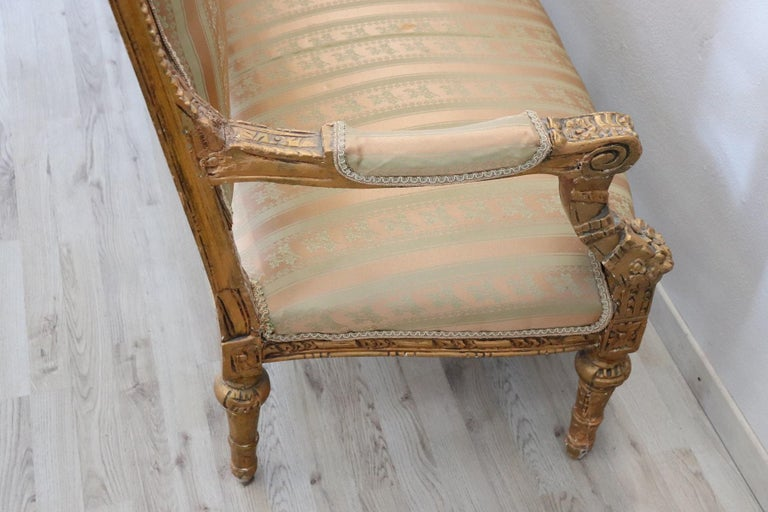 20th Century Italian Louis XVI Style Gilded Wood Living Room Set or Salon Suite For Sale 6