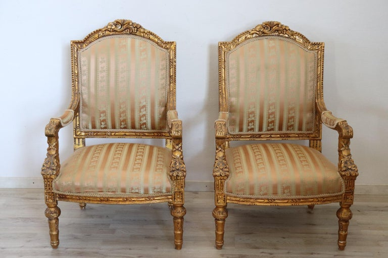 20th Century Italian Louis XVI Style Gilded Wood Living Room Set or Salon Suite For Sale 7