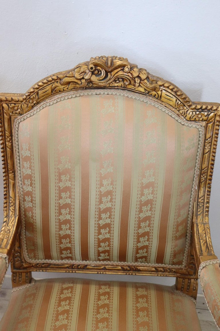 20th Century Italian Louis XVI Style Gilded Wood Living Room Set or Salon Suite For Sale 12