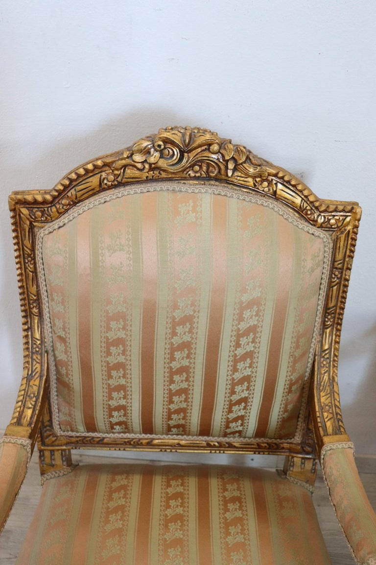 20th Century Italian Louis XVI Style Gilded Wood Living Room Set or Salon Suite For Sale 13
