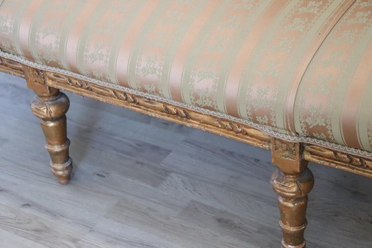 20th Century Italian Louis XVI Style Gilded Wood Living Room Set or Salon Suite In Good Condition For Sale In Bosco Marengo, IT