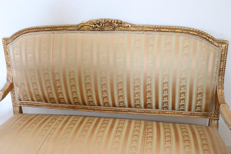 20th Century Italian Louis XVI Style Gilded Wood Living Room Set or Salon Suite For Sale 3