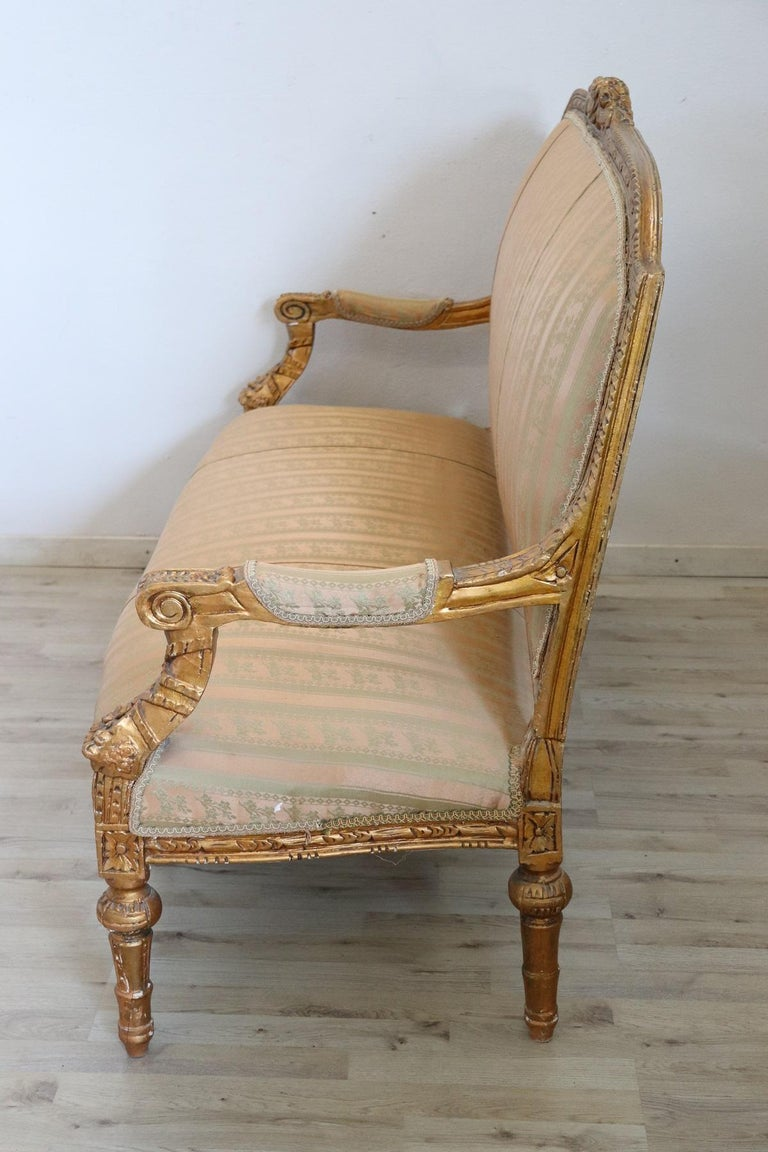 20th Century Italian Louis XVI Style Gilded Wood Living Room Set or Salon Suite For Sale 4