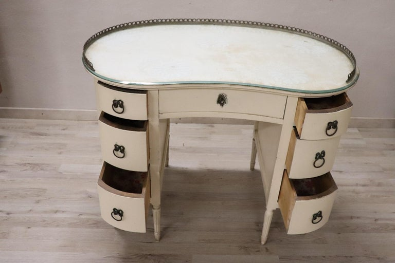 20th Century Italian Louis XVI Style Lacquered Wood Dressing Table or Desk For Sale 7