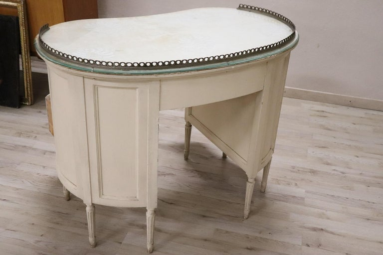 20th Century Italian Louis XVI Style Lacquered Wood Dressing Table or Desk For Sale 8