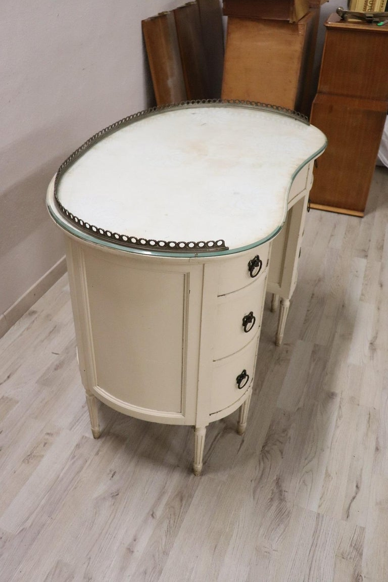 20th Century Italian Louis XVI Style Lacquered Wood Dressing Table or Desk For Sale 4