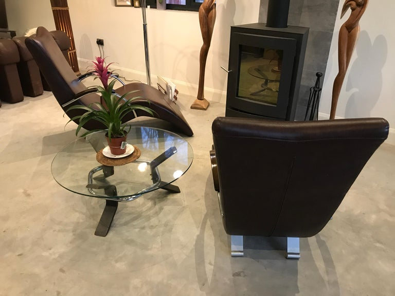 20th Century Vintage Retro Italian ox blood colored  Lounge Chairs  For Sale 4