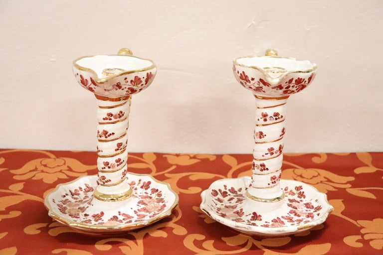 20th Century Italian Pair of Hand Painted Ceramic Candlesticks by Deruta For Sale 3