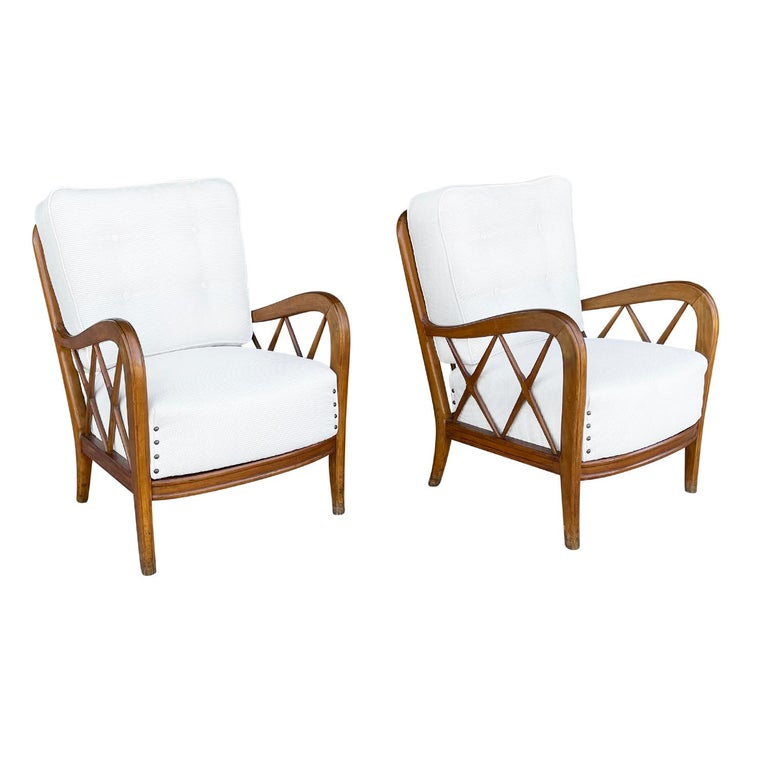 Mid-Century Modern 20th Century Italian Pair of Walnut Lounge Chairs by Paolo Buffa