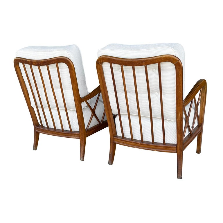 20th Century Italian Pair of Walnut Lounge Chairs by Paolo Buffa 1