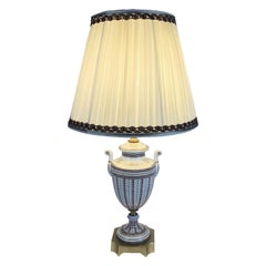 20th Century Italian Porcelain Urn Table Lamp by Mangani Firenze White Shade