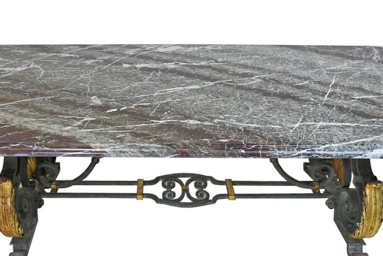 French Rococo-Style Campan Melange Marble-Top Dining Table with Forged Iron Base In Good Condition For Sale In Miami, FL