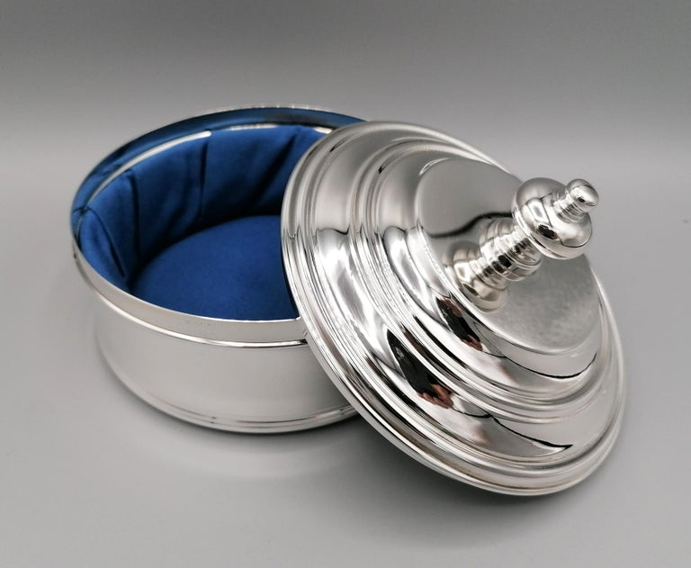 20th Century Italian Round Sterling Silver Jewelry Box In Excellent Condition For Sale In VALENZA, IT