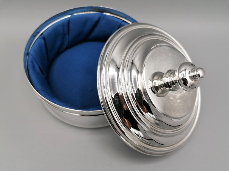 Late 20th Century 20th Century Italian Round Sterling Silver Jewelry Box For Sale