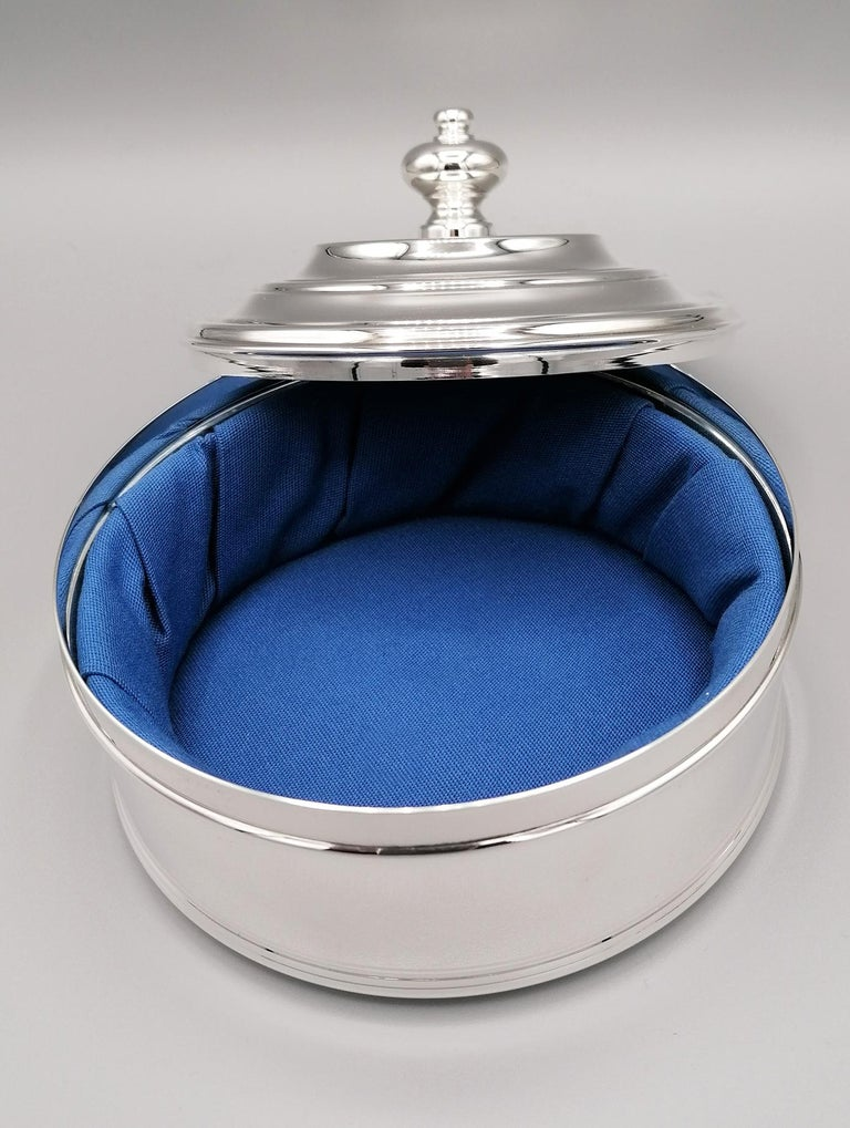 20th Century Italian Round Sterling Silver Jewelry Box For Sale 2
