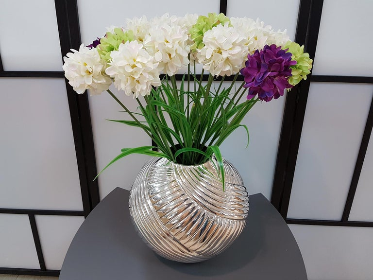 20th Century Italian Silver Globe Vase, ceased and embossed by hand.  For Sale 1