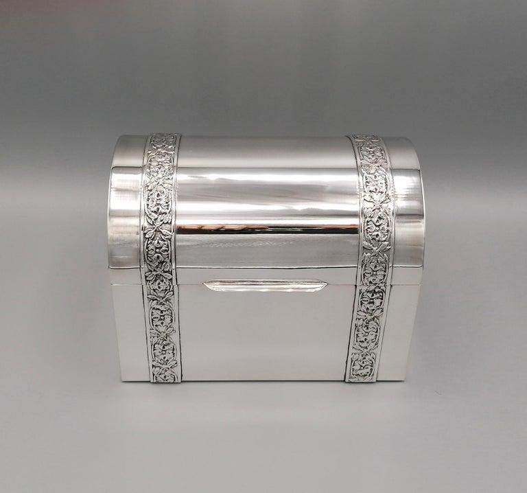 20th Century Italian Silver Jewelry box For Sale 6