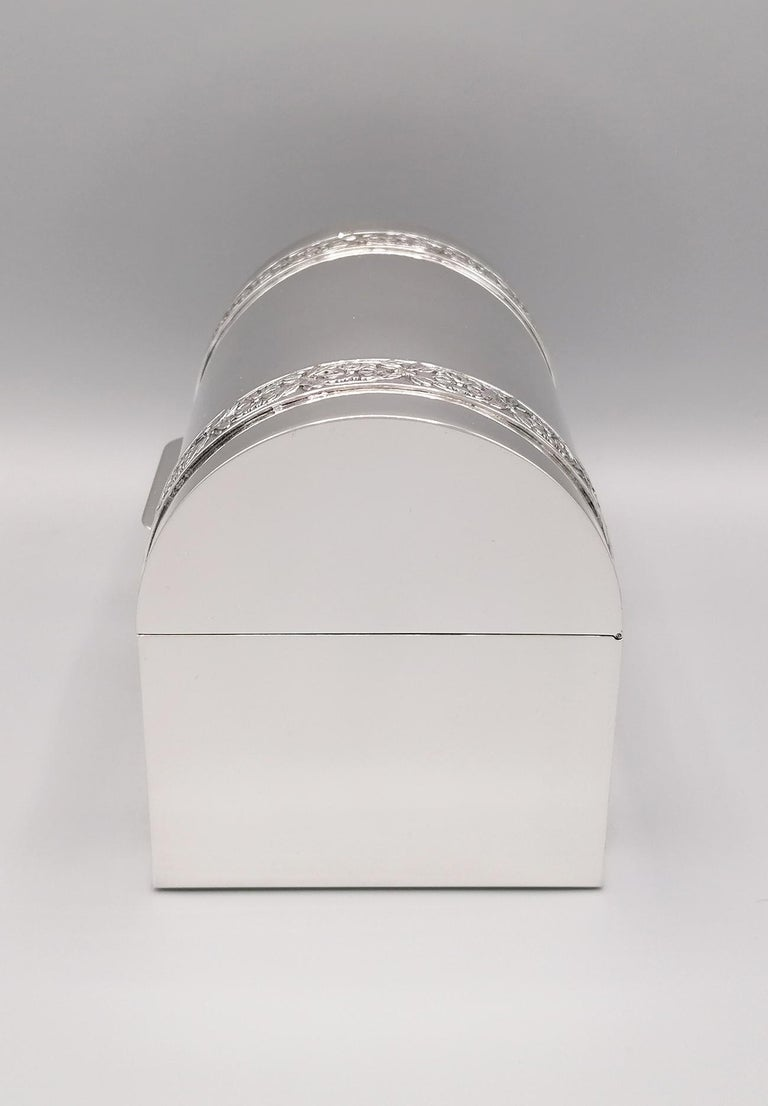 Hand-Crafted 20th Century Italian Silver Jewelry box For Sale