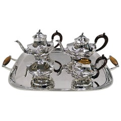 20th Century Italian Solid Silver Tea and Coffee Set with Matching Tray