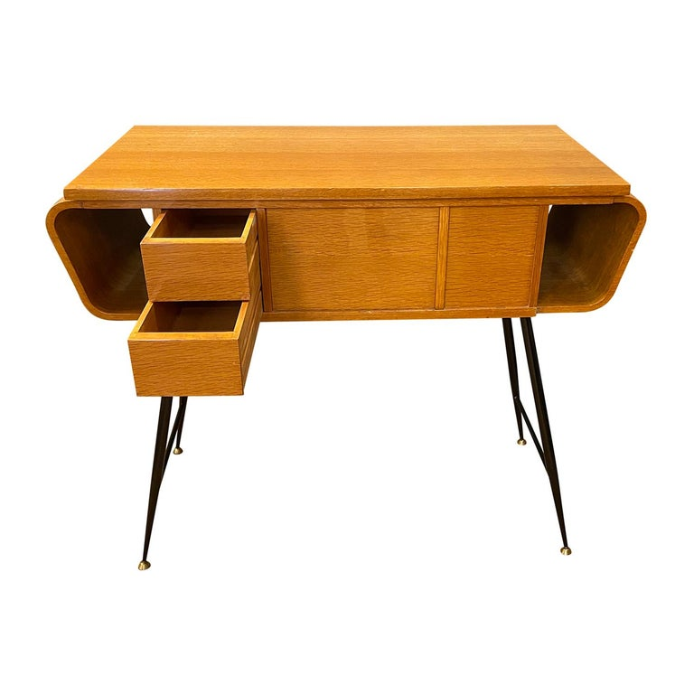 20th Century Italian Walnut, Brass Console Table by Ico Parisi In Good Condition In West Palm Beach, FL