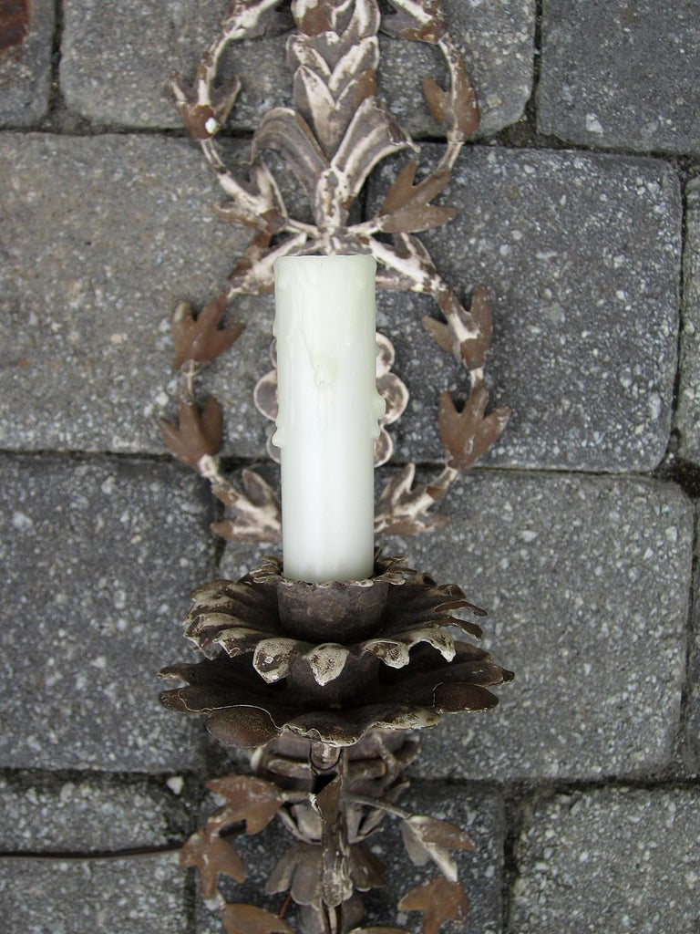 20th Century Italian White Metal Sconce For Sale 1