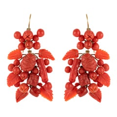 20th Century Italian Yellow Gold Coral Dangling Earrings