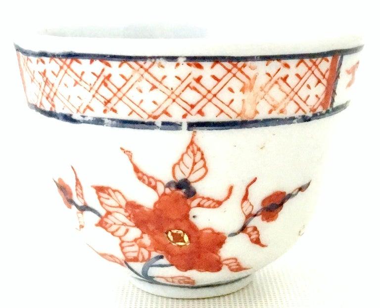 Gold 20th Century Japanese Hand Painted Porcelain Dinnerware