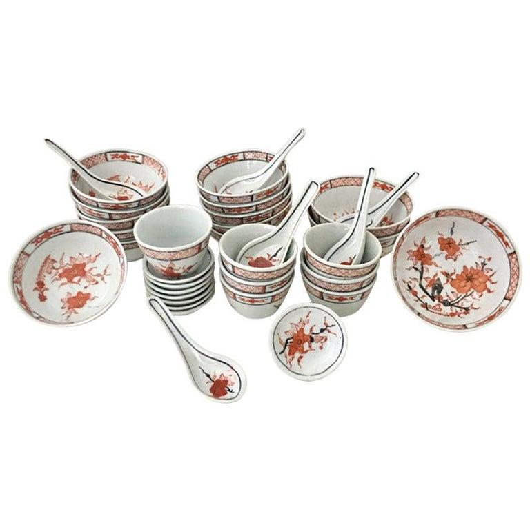 "20th Century Japanese Hand Painted Porcelain Dinnerware ""Imari"" Set of 35 For Sale"