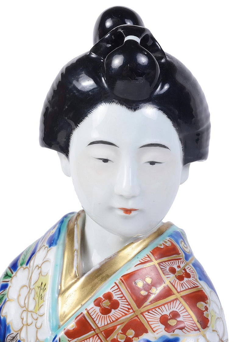 20th Century Japanese Imari Porcelain Geisha Girl In Good Condition For Sale In Brighton, Sussex