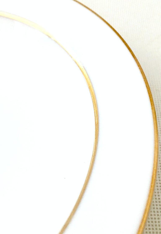 20th Century Japanese Porcelain and 22-Karat Gold Dinnerware Set of 22 by, Sango 6