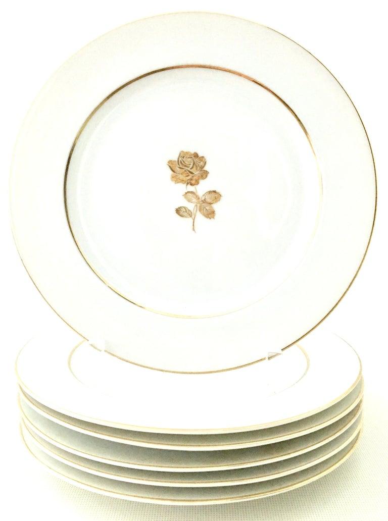 20th century Japanese Porcelain and 22-karat gold dinnerware