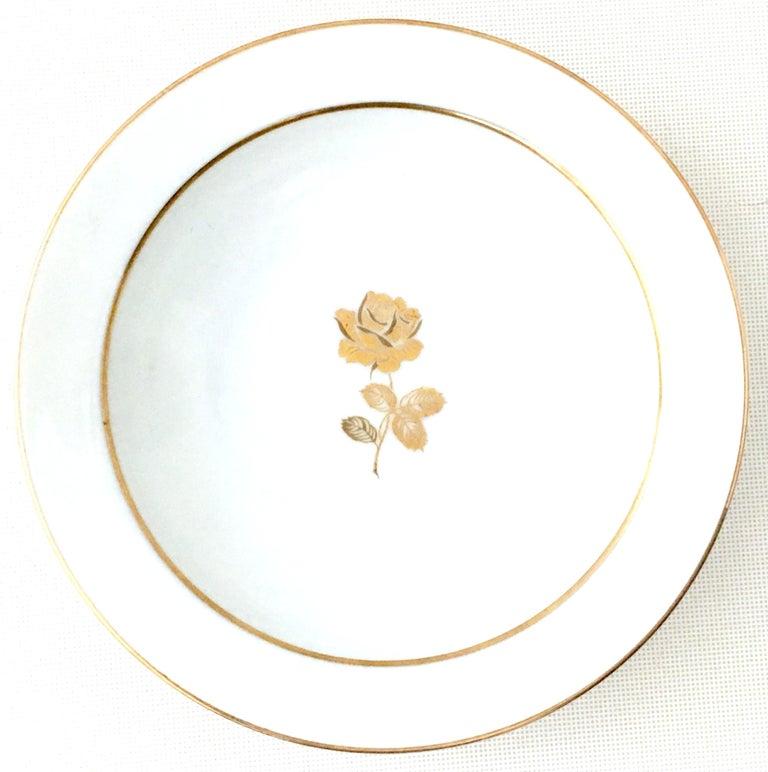 20th Century Japanese Porcelain and 22-Karat Gold Dinnerware Set of 22 by, Sango 1
