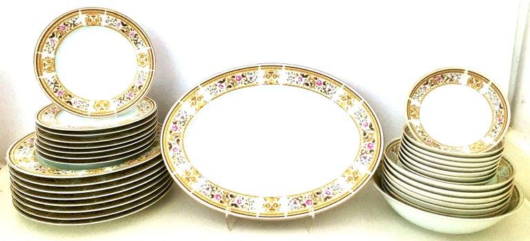 20th century Japanese porcelain dinnerware,