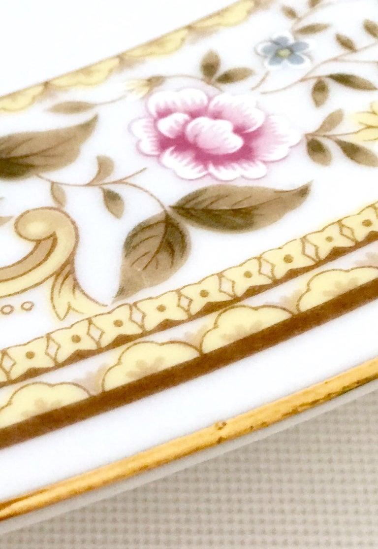 20th Century Japanese Porcelain Dinnerware