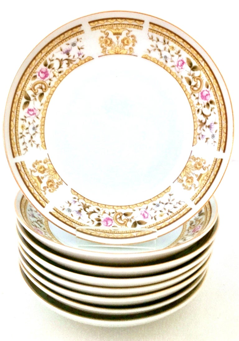 Gold 20th Century Japanese Porcelain Dinnerware
