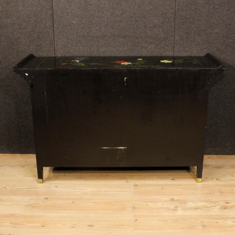 20th Century Lacquered Painted and Carved Wood Chinese Sideboard, 1960 For Sale 6