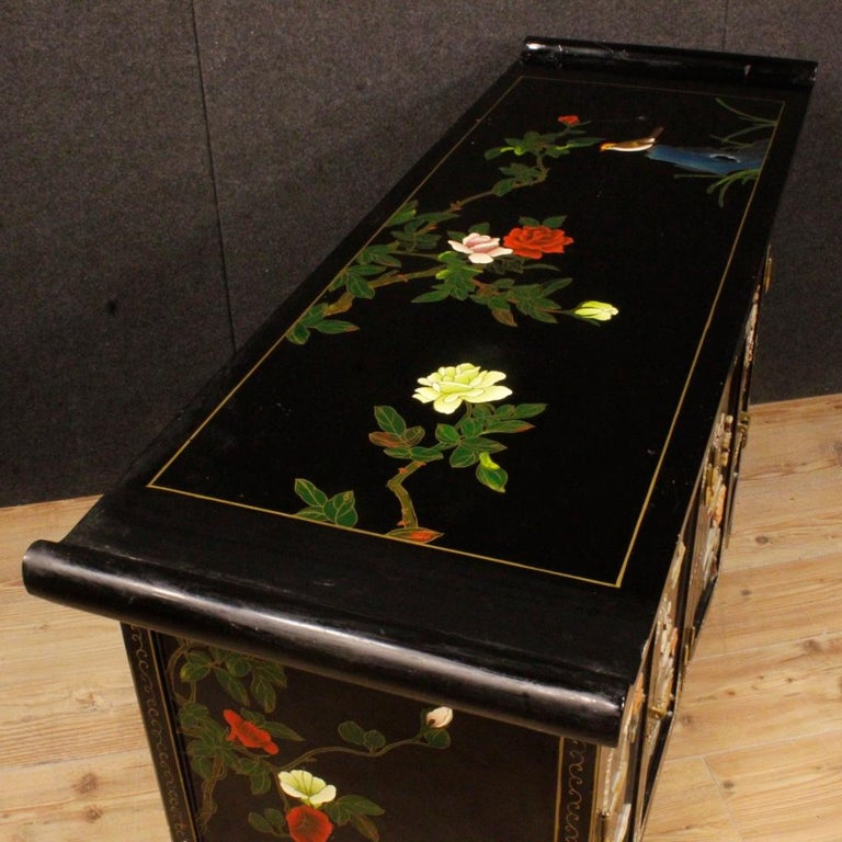 20th Century Lacquered Painted and Carved Wood Chinese Sideboard, 1960 For Sale 7