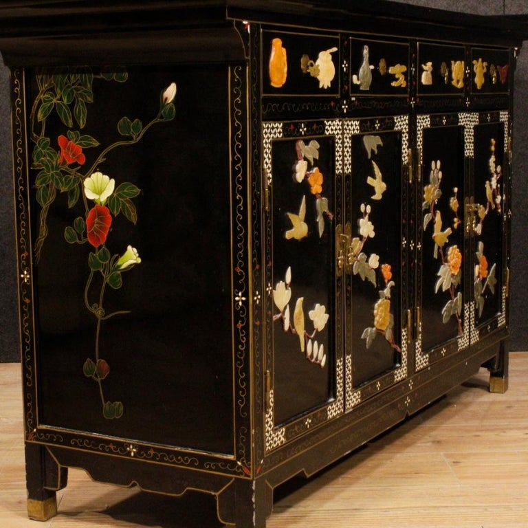 20th Century Lacquered Painted and Carved Wood Chinese Sideboard, 1960 For Sale 8