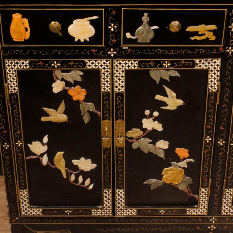 20th Century Lacquered Painted and Carved Wood Chinese Sideboard, 1960 For Sale 3