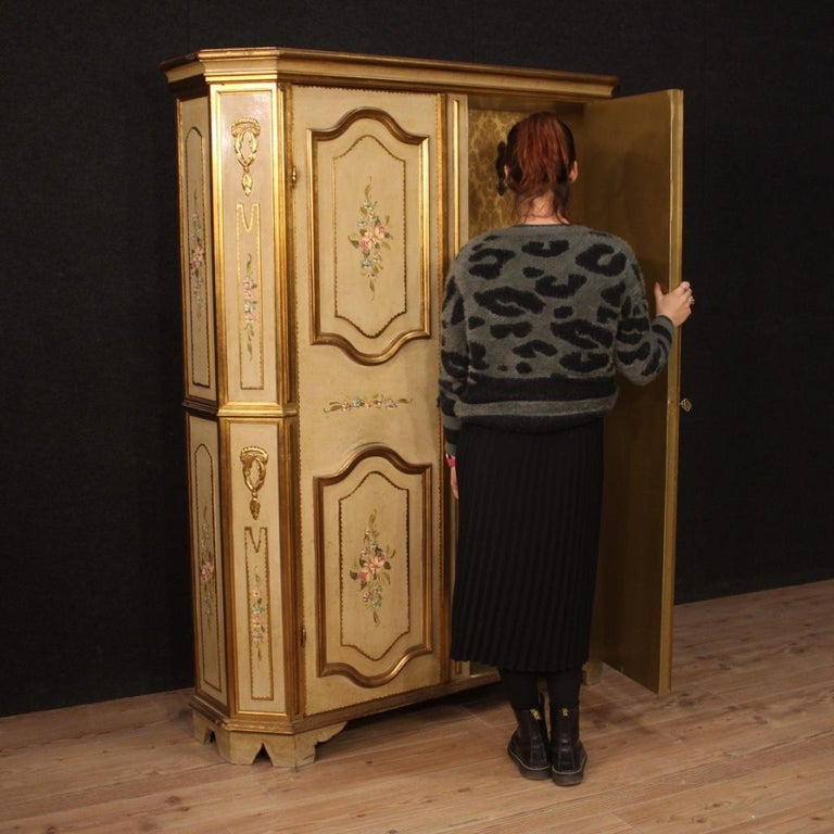 20th Century Lacquered Painted and Giltwood Italian Wardrobe, 1960 For Sale 8