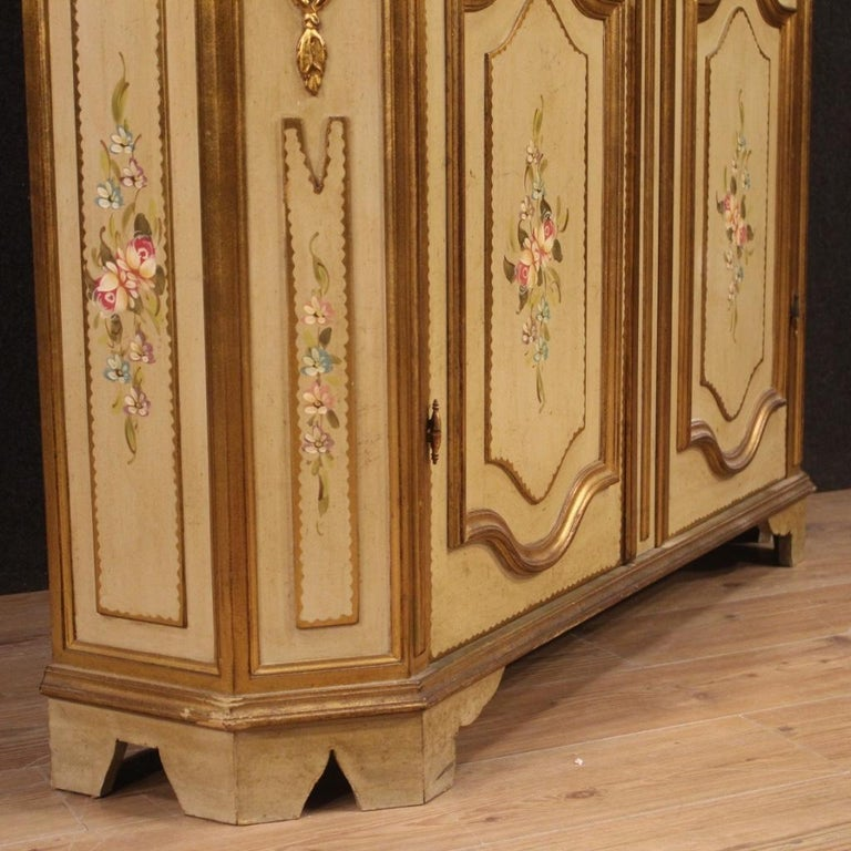 20th Century Lacquered Painted and Giltwood Italian Wardrobe, 1960 For Sale 2