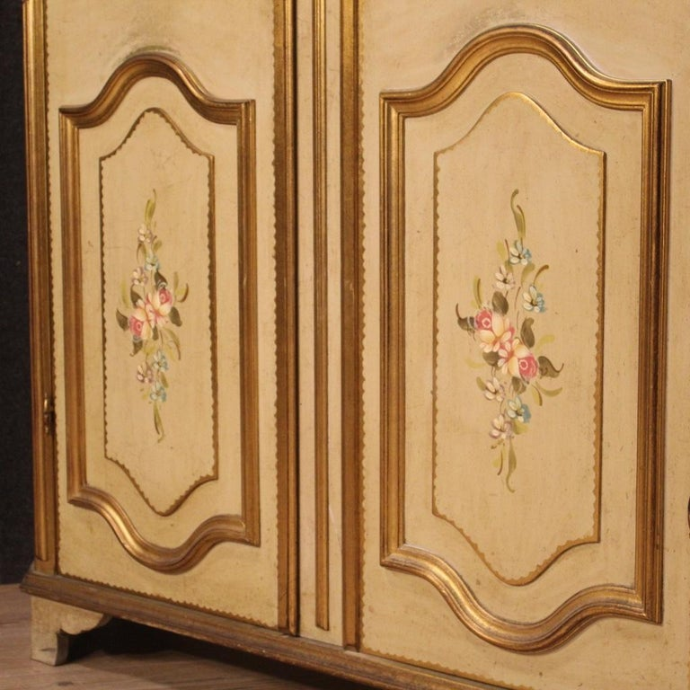 20th Century Lacquered Painted and Giltwood Italian Wardrobe, 1960 For Sale 5