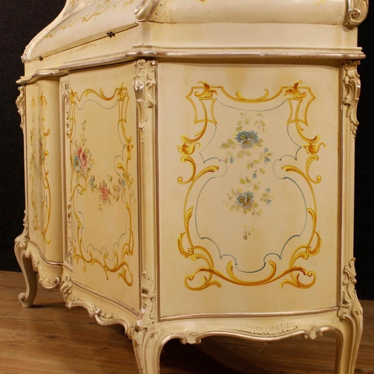 20th Century Lacquered, Silvered, Painted Wood Venetian Trumeau, 1950 For Sale 6